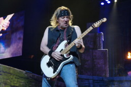 Iron Maiden Adrian Smith 2 uai