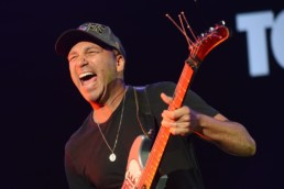 tom morello von rage against the machine uai